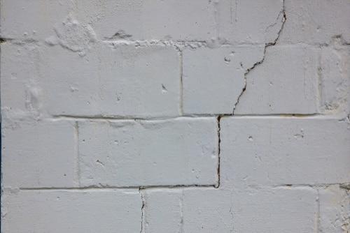 Crack brick