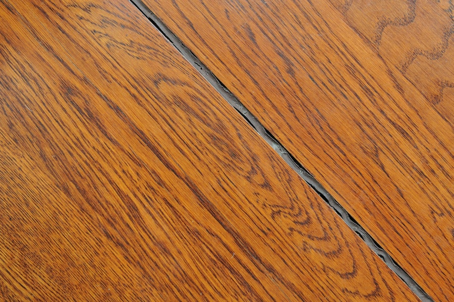 Wooden floor gap